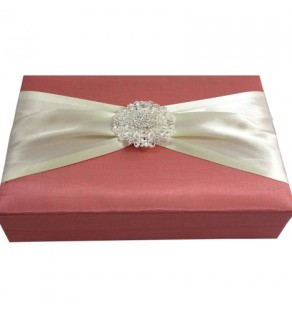 Flower brooch embellished wedding box in dusty pink for invitations