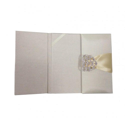 Opened pocket folder in ivory