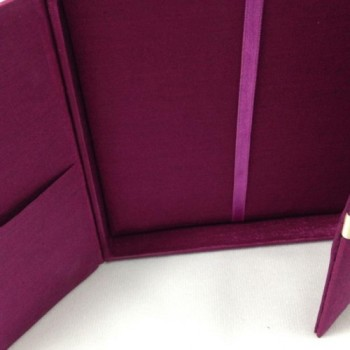 Gate fold invitation box