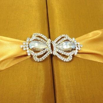 Crown brooch for wedding embellishment