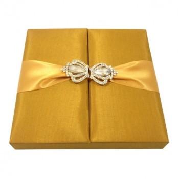 Crown brooch embellished wedding box