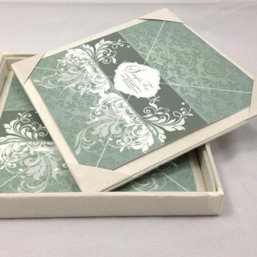 CROWN PEARL BROOCH EMBELLISHED IVORY COLOR WEDDING INVITATION BOX – Luxury Wedding Invitations in Boxes