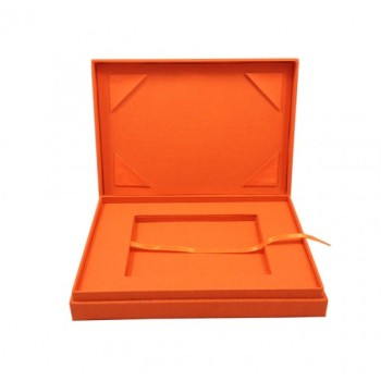 Cotton presentation box in orange