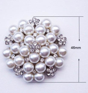 Pearl brooch for wedding embellishments