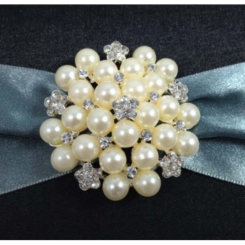 Large pearl brooch wedding embellishment