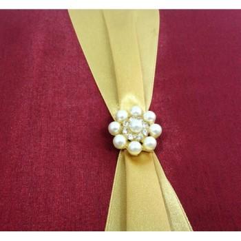 Small pearl brooch