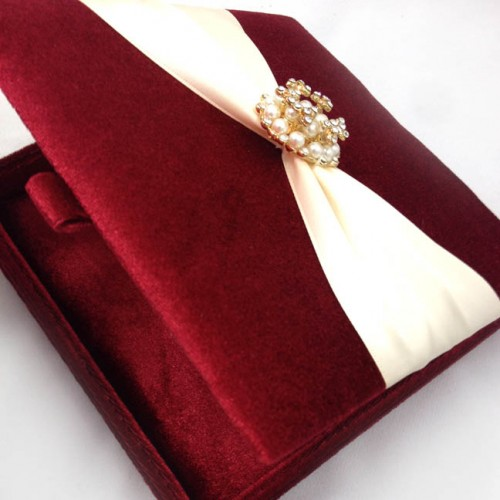 RED VELVET WEDDING INVITATION BOX WITH FLAT HINGED LID AND LUXURY