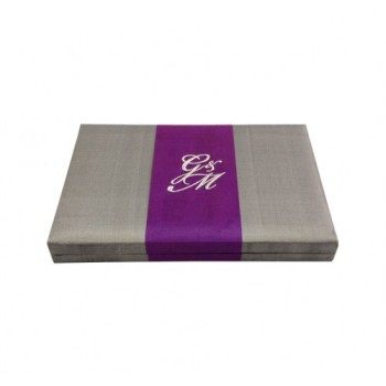 Silk box for invitations with embroidery on silk stripe