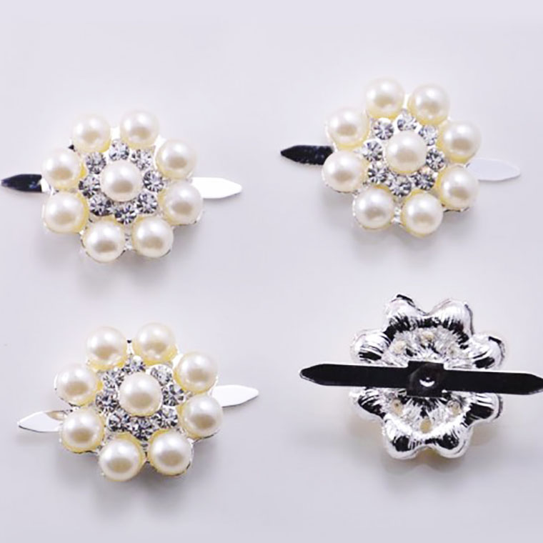 Small pearl button