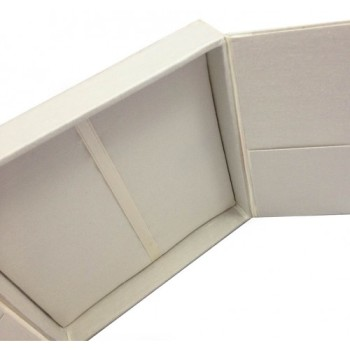 Gatefold invitation boxes