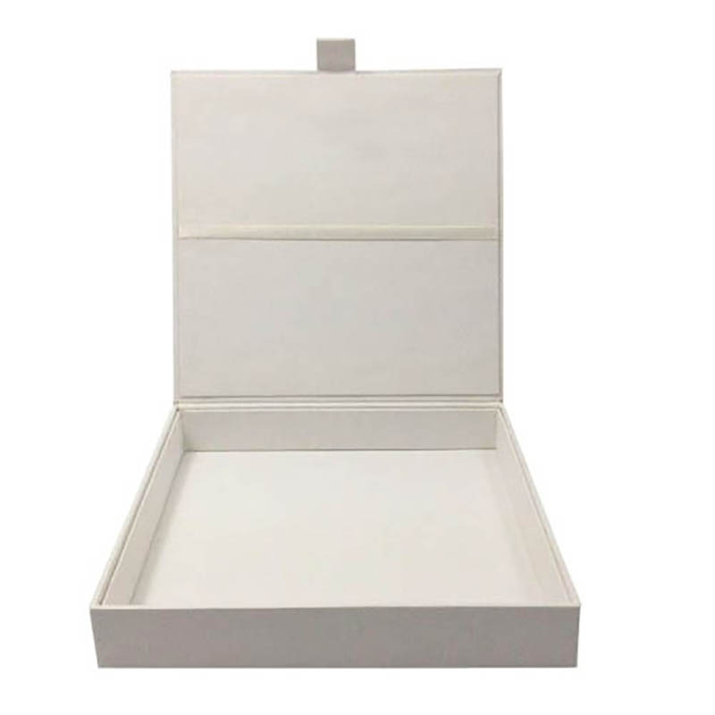white paper invitation box