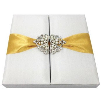 crown brooch wedding invitation