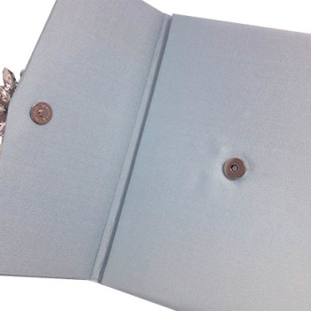 Magnet lock of silk envelope