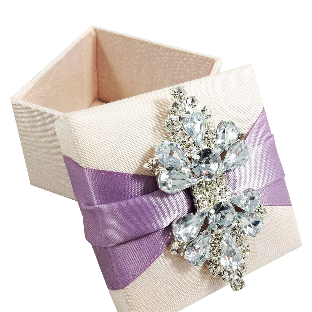 Blush Pink Wedding Favor Box With Lavender Ribbon Brooch – Luxury Wedding Invitations in Boxes