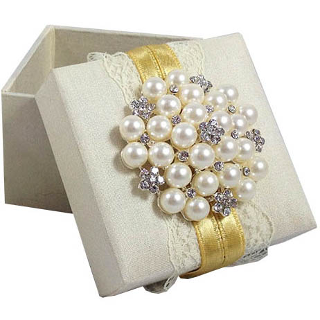 silk & lace favour box