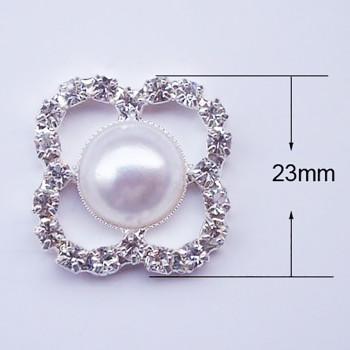Flat back pearl brooch