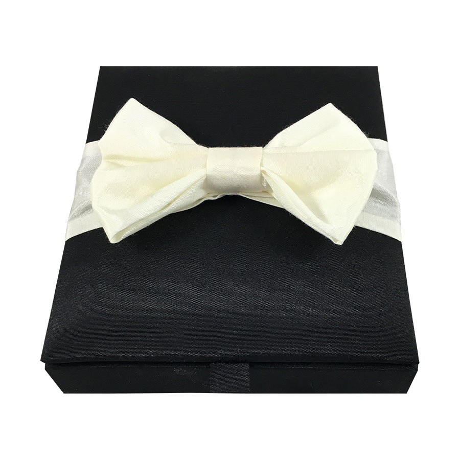 Invitation Box Silk Amp Silk Man Bow Tie In Black And Ivory