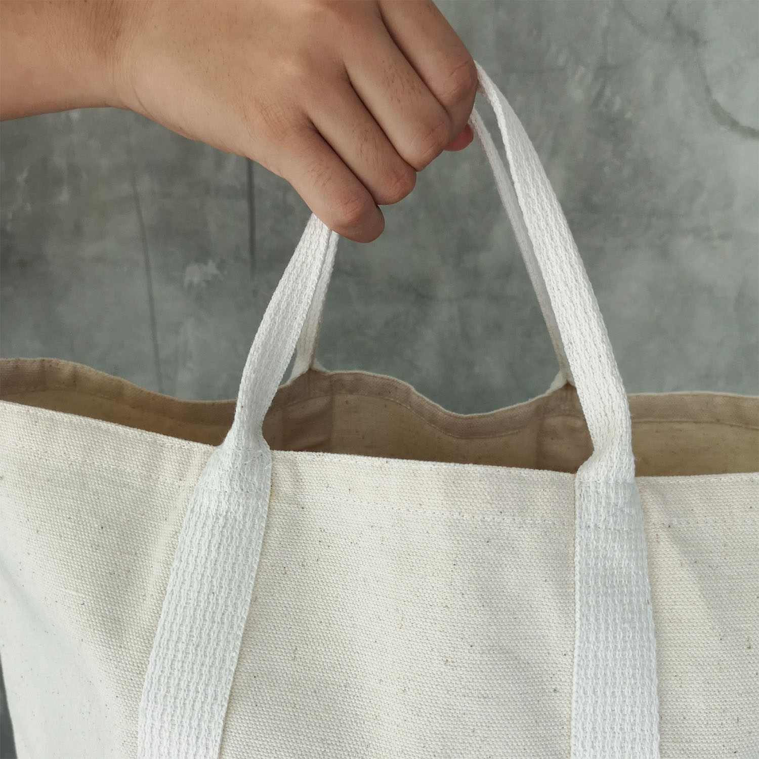 Canvas tote bag with cotton handle