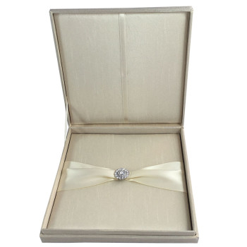 Hinged lid invitation box