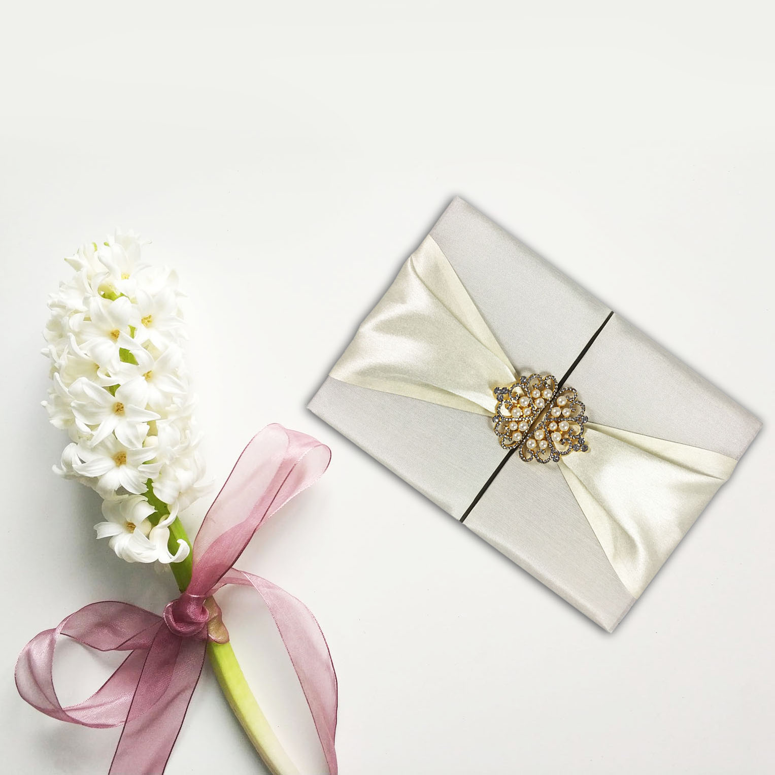 Invitation Pocket Folder With Gold Plated Crown Pearl Brooches ...
