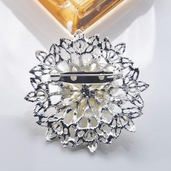 handmade pearl brooch