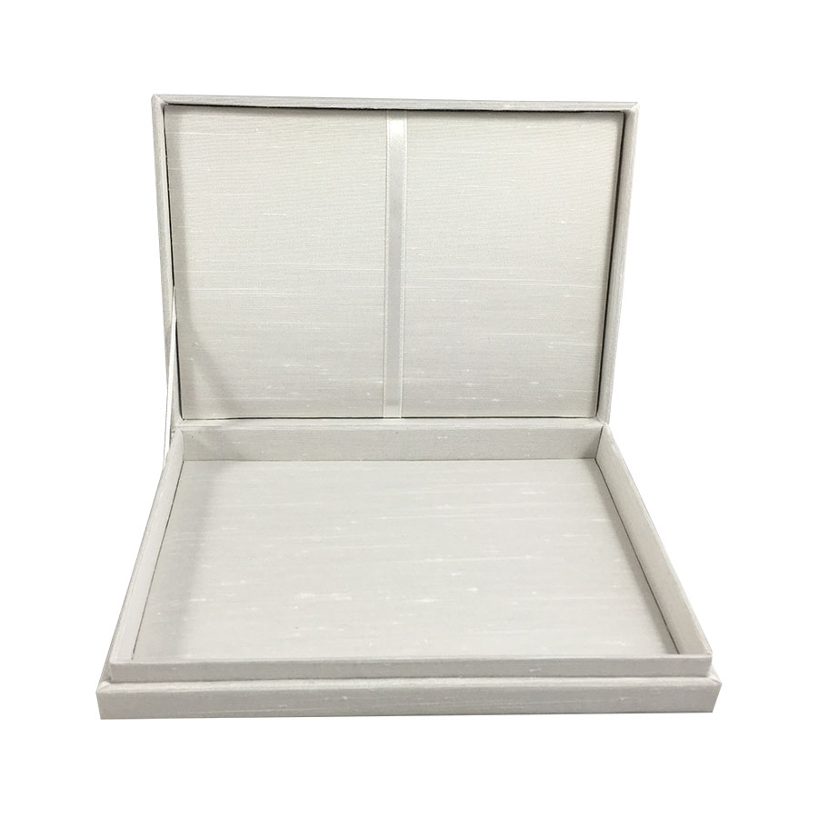 ivory hinged lid invitation box