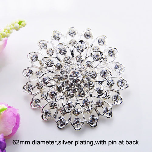 Flower rhinestone brooch