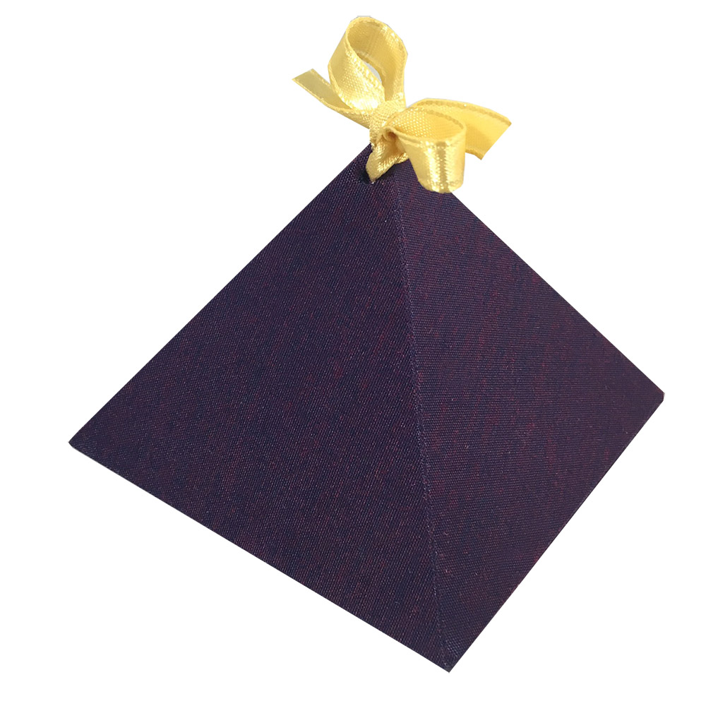 Silk pyramid box