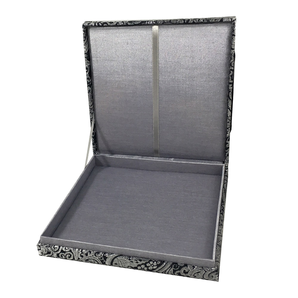 Boxed wedding invitation in silver silk