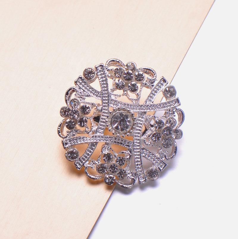 Elegant rhinestone brooch