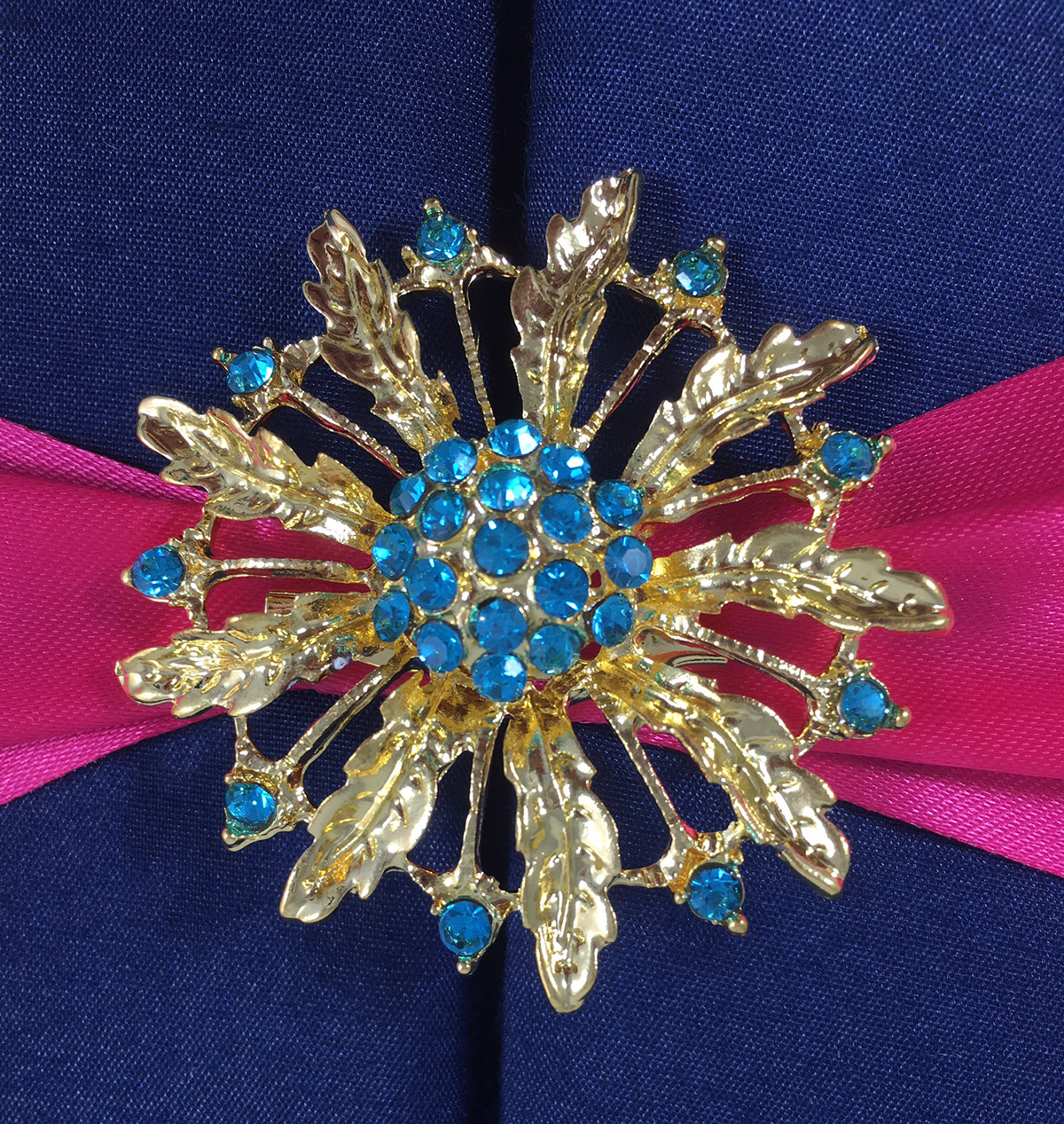 gold flower brooch