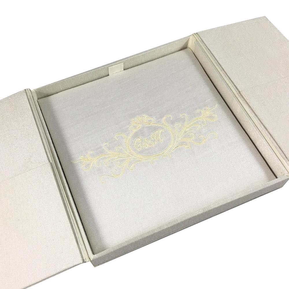 Gatefold box