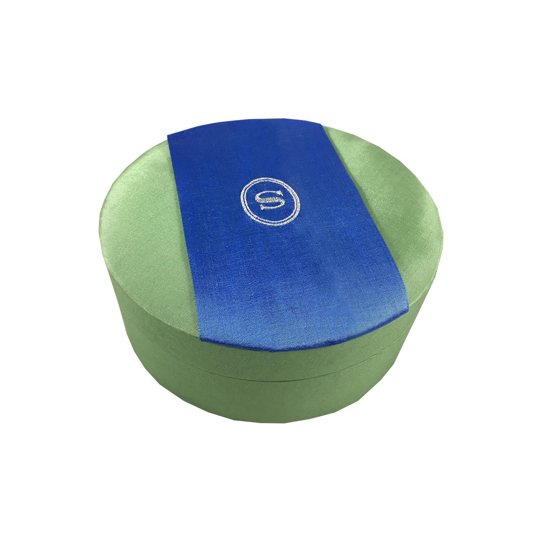 logo embroidered round silk box