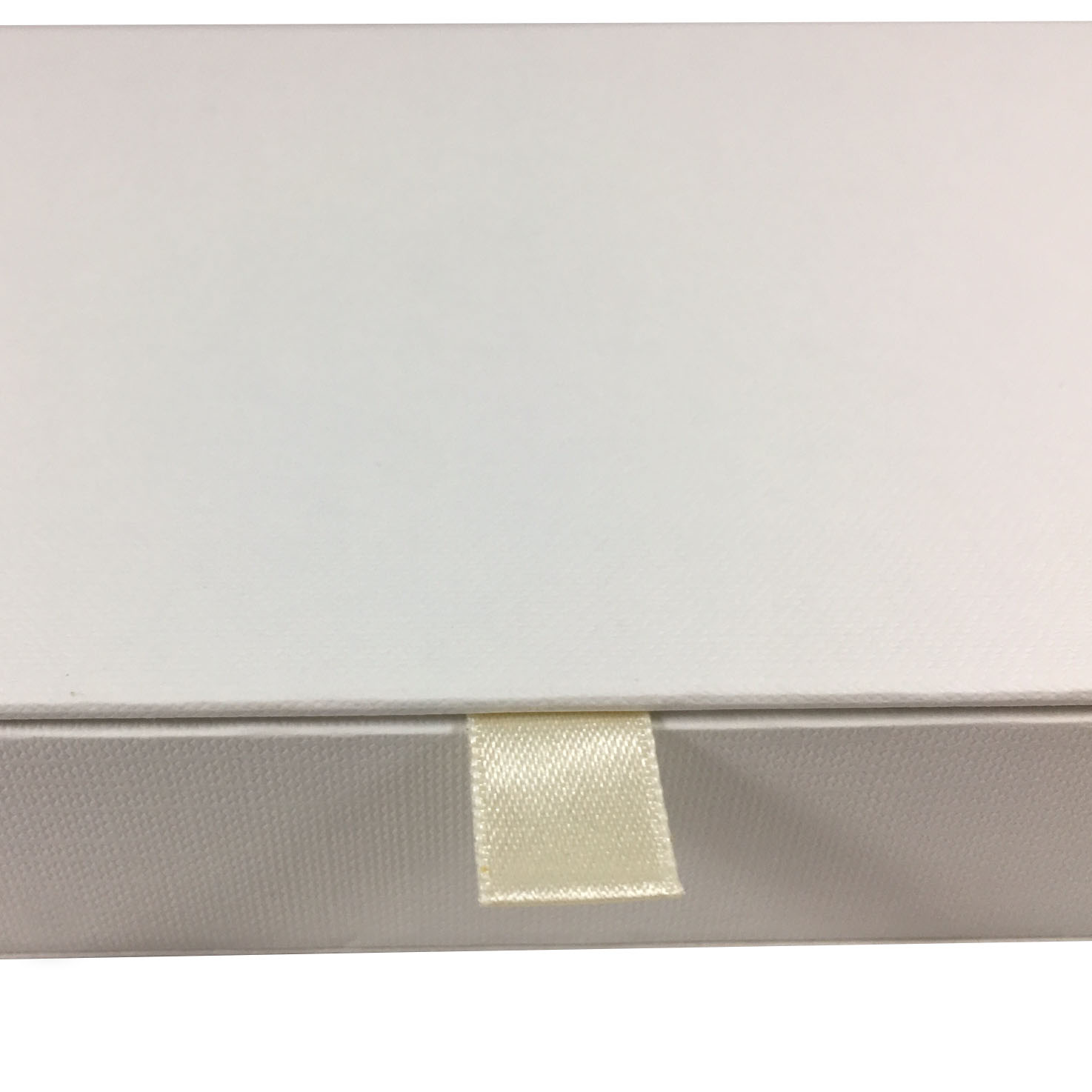 ivory hinged lid paper box