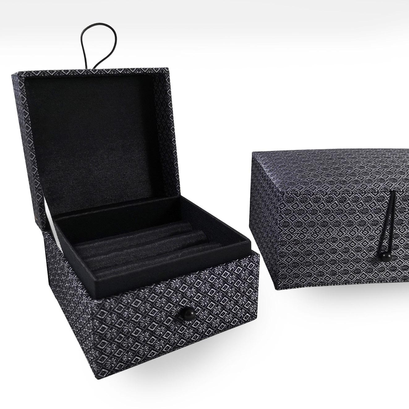 Luxury jewelry box