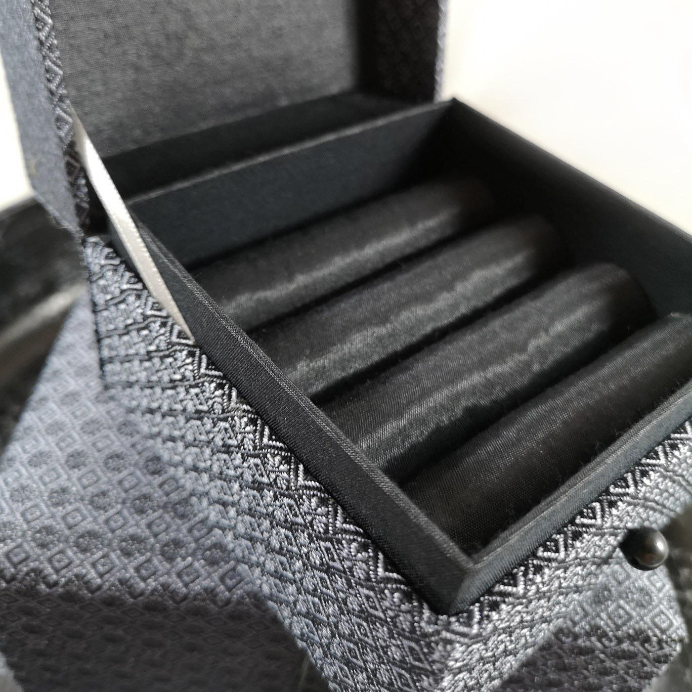 silk brocade jewelry boxes for luxury packaging