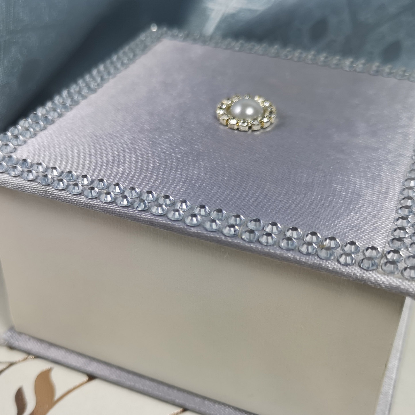 silver favor box with pearl and rhinestones